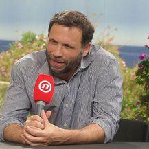 Ivana Nanut ekskluzivno je razgovarala s holivudskim glumcem Jeremyjem Sistom (Video: IN Magazin)