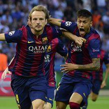 Neymar i Rakitić iz vremena kad su nosili isti dres (Foto: AFP)