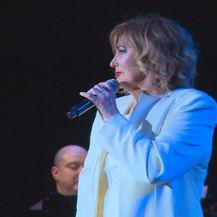 Tereza Kesovija - 4