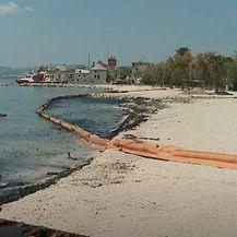 Ostaci izgorenih jahti i dalje u kaštelanskom moru - 4