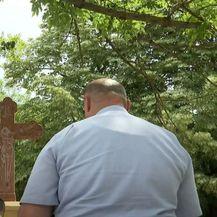 Saniran pravoslavni križ u Vukovaru - 4