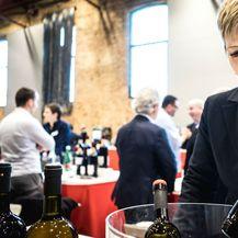 Sommelierka Karin Rupena Perdec predstavljala je vinariju Dobravac iz Rovinja