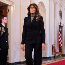 Melania je za summit odabrala odijelo u kombinaciji s dolčevitom