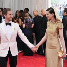 Anne Hathaway i Adam Shulman (Foto: Getty)