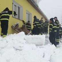 Snijeg u Delnicama i dalje stvara probleme (Foto: Marko Balen) - 1