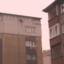 Zeničanin na stambenoj zgradi sagradio kuću (Foto: Dnevnik.hr) - 3