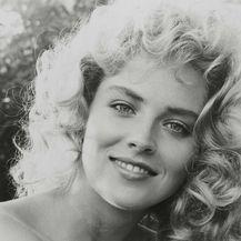 Sharon 1985. godine