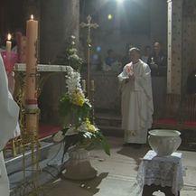 Reakcije na izjave pape Franje o plaćanju misa (Video: Dnevnik Nove TV) - 1
