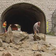 Odron stijena (Video: Dnevnik Nove TV) - 2
