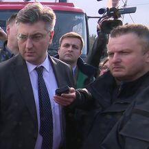 Premijer Andrej Plenković i ministri obećali pomoći Refiki Hamzagić (Video: Dnevnik.hr)