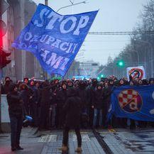 Prosvjed BBB-a protiv prodaje Dinama (Foto: Filip Kos/PIXSELL)