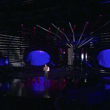 Amel Ćurić otpjevao Stranac u noći (Video: Tvoje lice zvuči poznato)