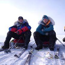 Tri britanska mušketira tijekom prelaska Bajkalskog jezera