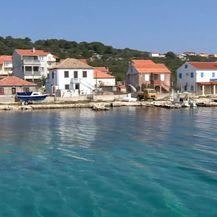 Dnevnik na otocima: Otoci s kojih odlaze i na koje se vraćaju...(Foto: Dnevnik.hr) - 2
