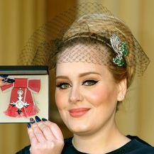 Besprijekorno nanesen tuš za oči zaštitni je znak pjevačice Adele