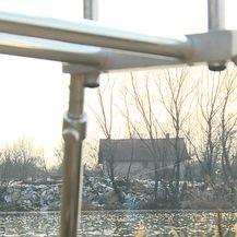 Na gradskom zemljištu u zagrebačkom naselju Savica niknulo je ilegalno odlagalište otpada (Video: Provjereno)