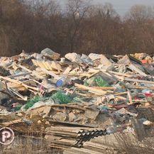 Na gradskom zemljištu u zagrebačkom naselju Savica niknulo je ilegalno odlagalište otpada (Foto: Dnevnik.hr) - 4