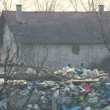 Golemo divlje smetlište usred Zagreba (Foto: Dnevnik.hr) - 2
