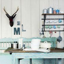 Klupica u kuhinji izgleda vrlo šarmantno i retro - 5
