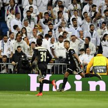 David Neres i igrači Ajaxa slave pogodak protiv Reala (Foto: AFP)