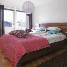 Drveni krevet kao inspiracija za uređenje spavaće sobe - 2