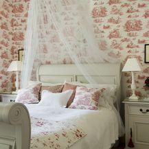 Drveni krevet kao inspiracija za uređenje spavaće sobe - 5