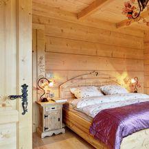 Drveni krevet kao inspiracija za uređenje spavaće sobe - 10