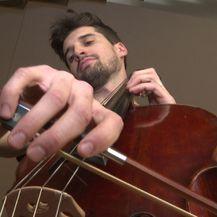 Luka Šulić svira violončelo samo za IN Magazin (Foto: IN Magazin) - 2
