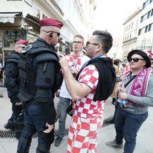 Hrvatski navijači u Budimpešti (Foto: Sanjin Strukic/PIXSELL)
