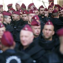 Mađarski policajci (Foto: Sanjin Strukić/PIXSELL)