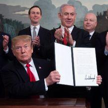 Trump potpisao uredbu kojom se Golanska visoravan proglašava izraelskim teritorijem (Foto: AFP)