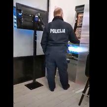 Policajac u kladionici