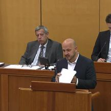 Maras o 77 potpisa (Video: Dnevnik.hr)