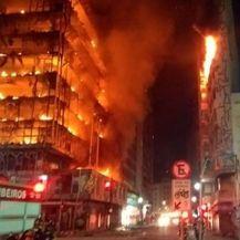 Vatra progutala neboder od 26 katova u Sao Paulu (Foto: Sao Paulo Fire Department)