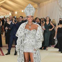 Rihanna na Met Gali - 5