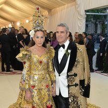 Sarah Jessica Parker i Andy Cohen na Met Gali