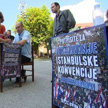 Počelo prikupljanje potpisa za referendume (Foto: Dnevnik.hr) - 1