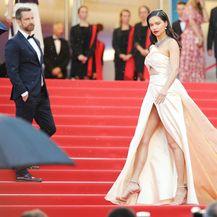 Adriana Lima u haljini Alberte Ferretti