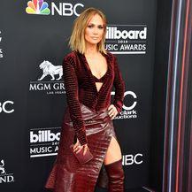 Jennifer Lopez u haljini Roberta Cavallija