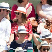 James i Pippa na teniskom meču