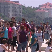 Gužve uoči produženog vikenda (Video: Dnevnik Nove TV)