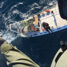 Spašavanje s brodice (Foto: HGSS)