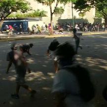 Neredi u Venezueli, Caracas (Video: Reuters)