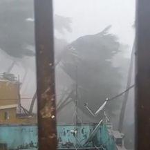 Ciklon Fani u Indiji (Video: AP)