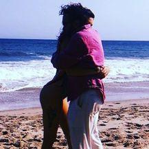 Johnny Galecki i njegova djevojka (Foto: Instagram)