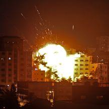 Izraelski projektil pogodio Gazu (Foto: AFP)