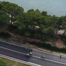 Prvi trkači prošli kroz Sukošan (Foto: Dnevnik.hr)