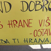 Štand dobrote na tržnici (Foto: Dnevnik.hr)