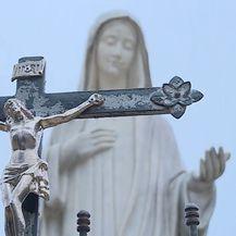 Okruženje crkve (Foto: Dnevnik.hr) - 2