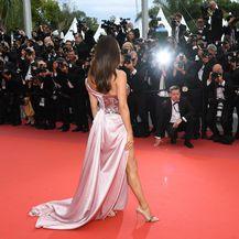 Eva Longoria u haljini talijanske dizajnerice Alberte Ferretti